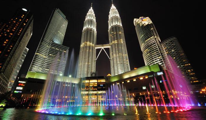 Petronas-Twin-Towers_0